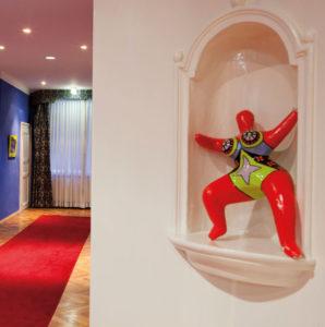Nana figure by artist Niki de Saint Phalle