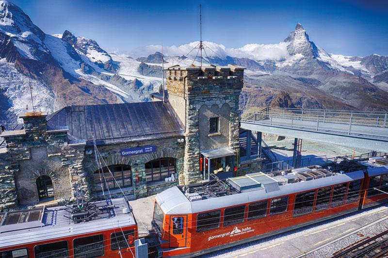 Schnee auch im Sommer - Der Gornergrat (3089m) bei Zermatt.
