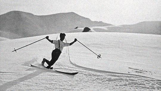 Eleganter Schwung! Der klassische Telemark-Stil