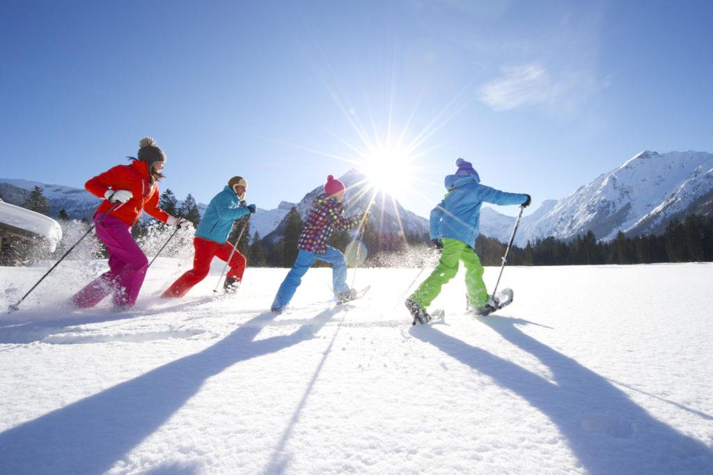Snowshoeing in the Karwendel valleys. © Achensee Tourism